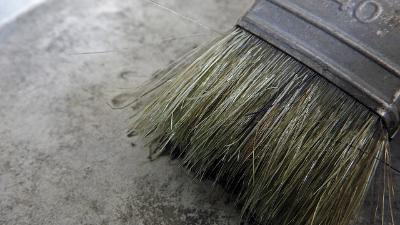 水性涂料涂刷在金属底材上时,什么因素会加速了闪锈的产生?